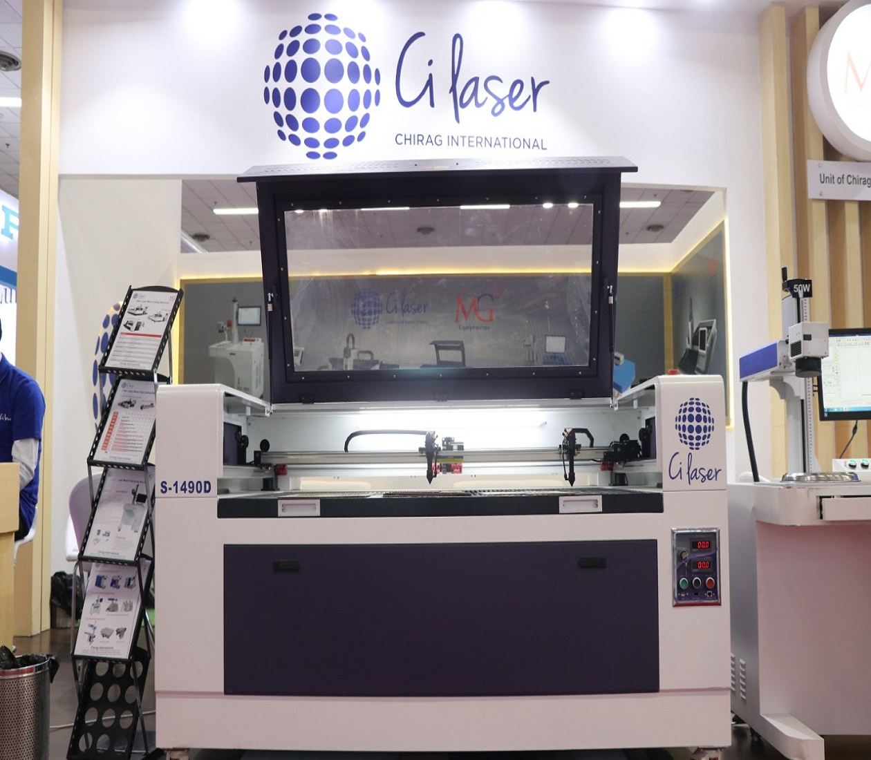 Double Heads Laser Engraving & Cutting Machine